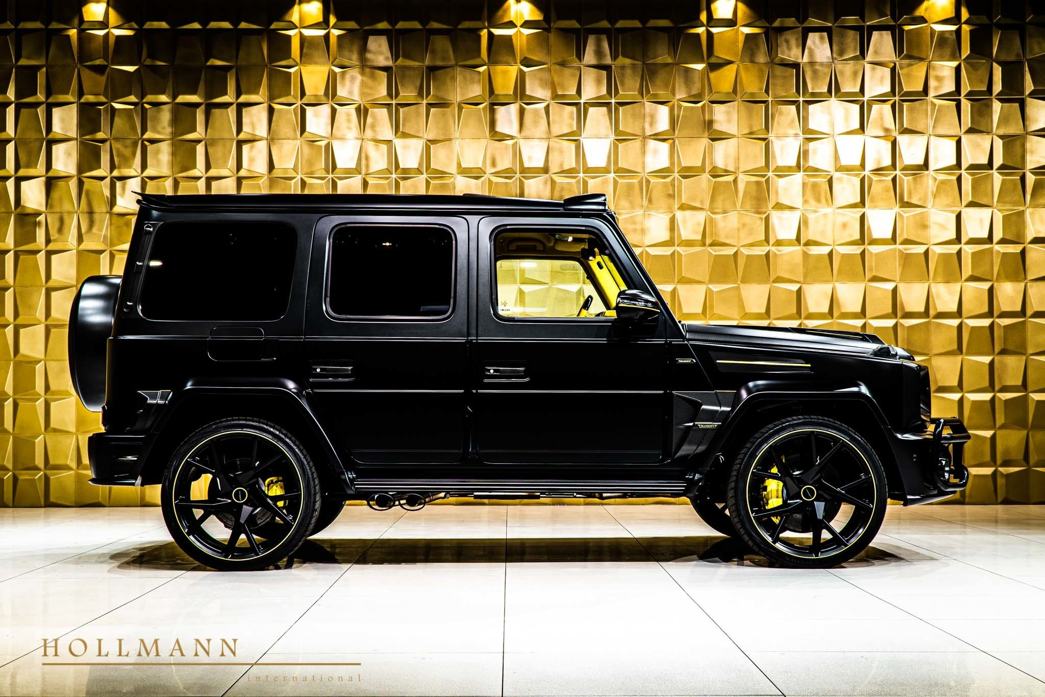 2017 - [Mercedes-Benz] Classe G II - Page 9 400000-widebody-g63-by-mansory-has-yellow-leather-interior_3