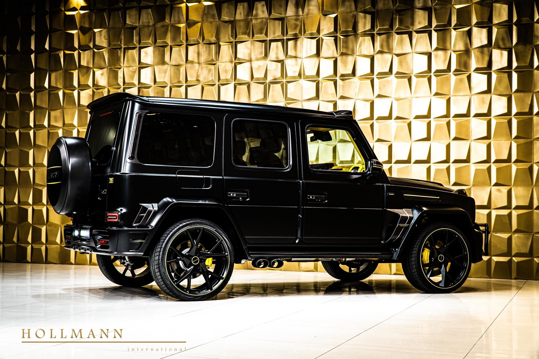 2017 - [Mercedes-Benz] Classe G II - Page 9 400000-widebody-g63-by-mansory-has-yellow-leather-interior_4
