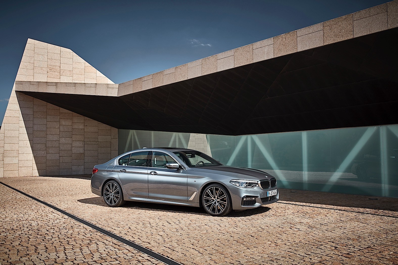 5 Reasons The 2017 Bmw G30 5 Series Is Better Than The F10 5 Series