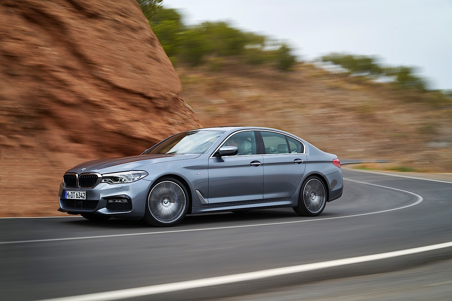 5 reasons the 2017 bmw g30 5 series is better than the f10. Black Bedroom Furniture Sets. Home Design Ideas