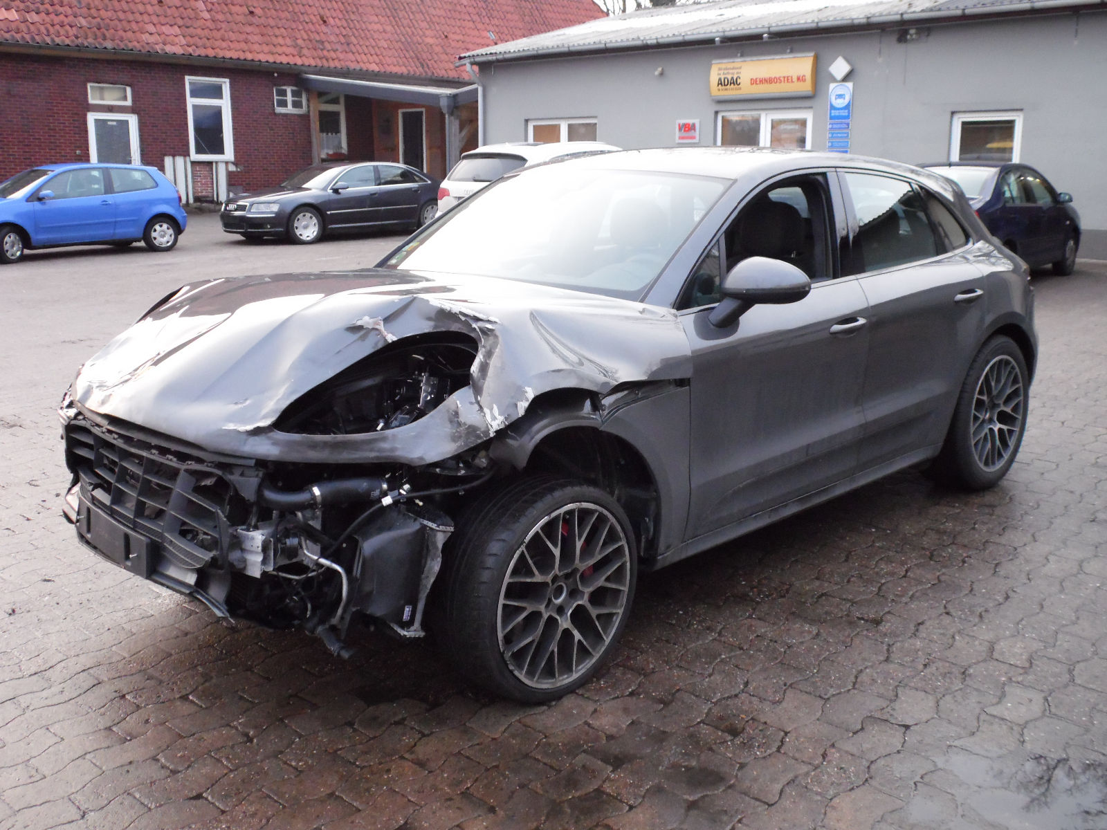 57 000 Damaged Porsche Macan Turbo Is Not A Bargain