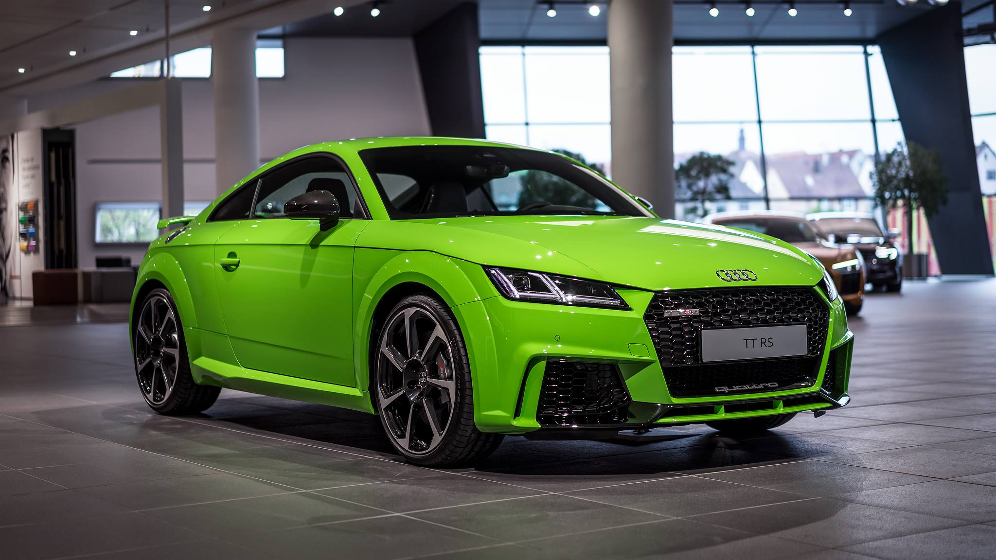 66 400 audi tt rs coupe in green looks like a lamborghini miura from the future autoevolution. Black Bedroom Furniture Sets. Home Design Ideas