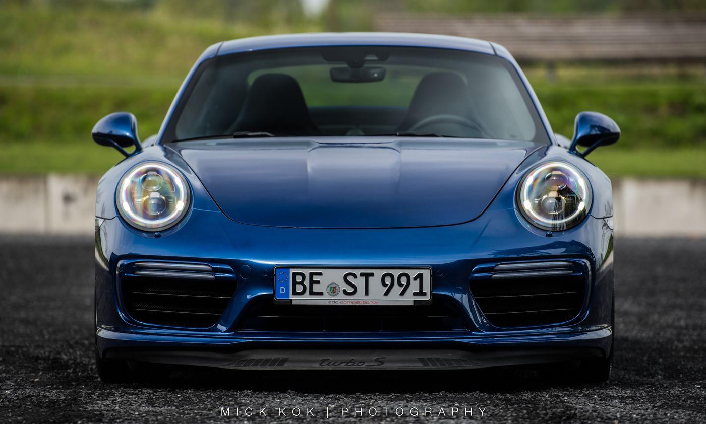 Dark Sea Blue 2018 Porsche 911 Gt3 Goes Deep Autoevolution