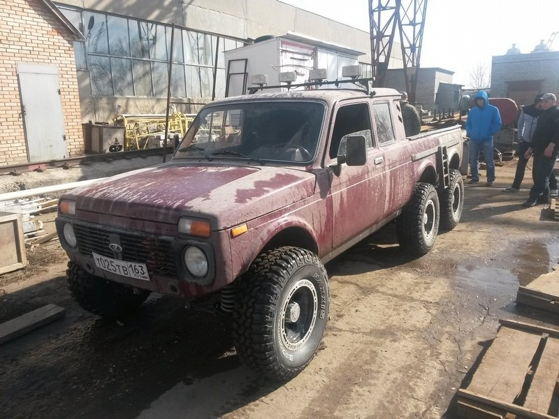 6x6 lada niva is russia s response to german engineering. Black Bedroom Furniture Sets. Home Design Ideas