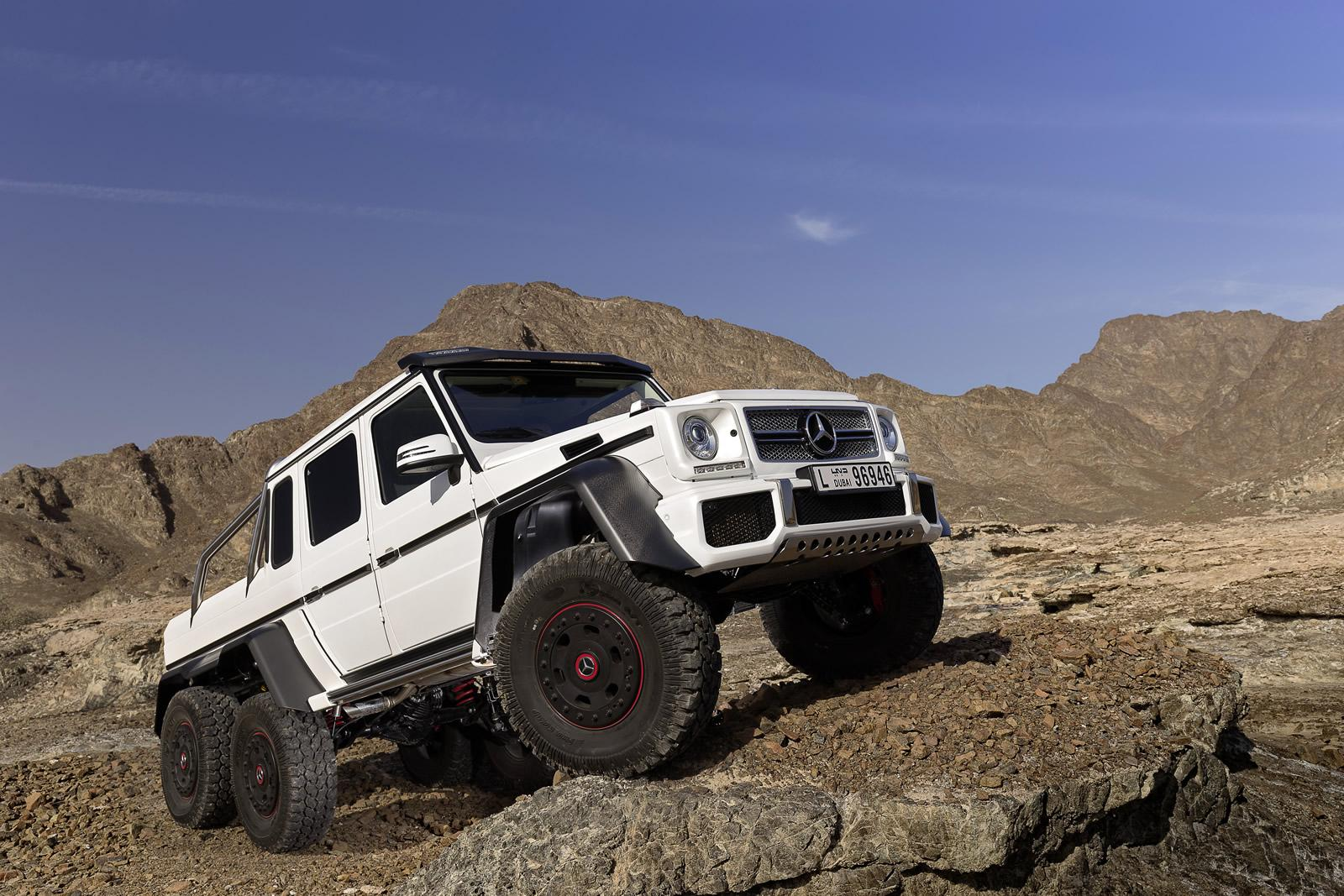 6x6 mercedes benz g63 amg pics aplenty autoevolution for Mercedes benz g63 6x6 amg
