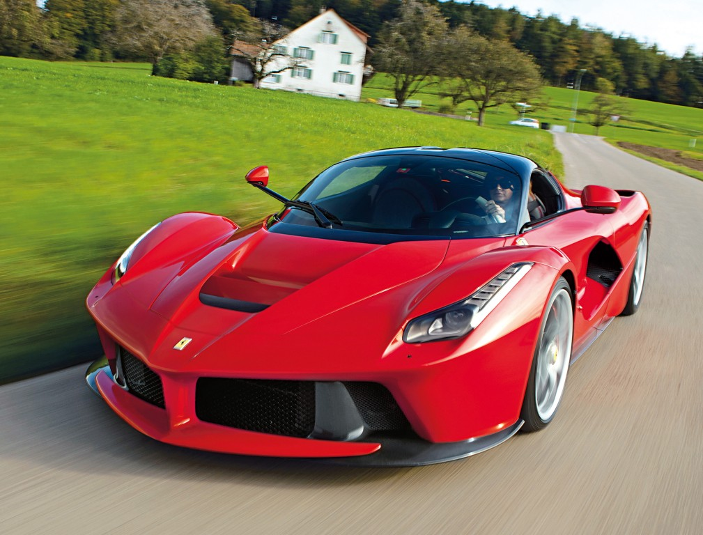 7 million laferrari becomes most expensive 21st century car sold at auction autoevolution. Black Bedroom Furniture Sets. Home Design Ideas