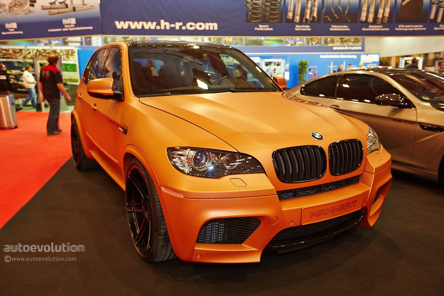 700 HP BMW E70 X5 M Shows Up at Essen Motor Show 2013 with Manhart ...