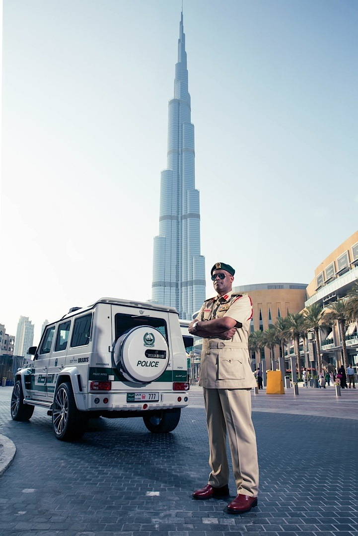 Mercedes B Class Electric >> 700 HP Brabus Mercedes G63 AMG Becomes Dubai Police Car ...