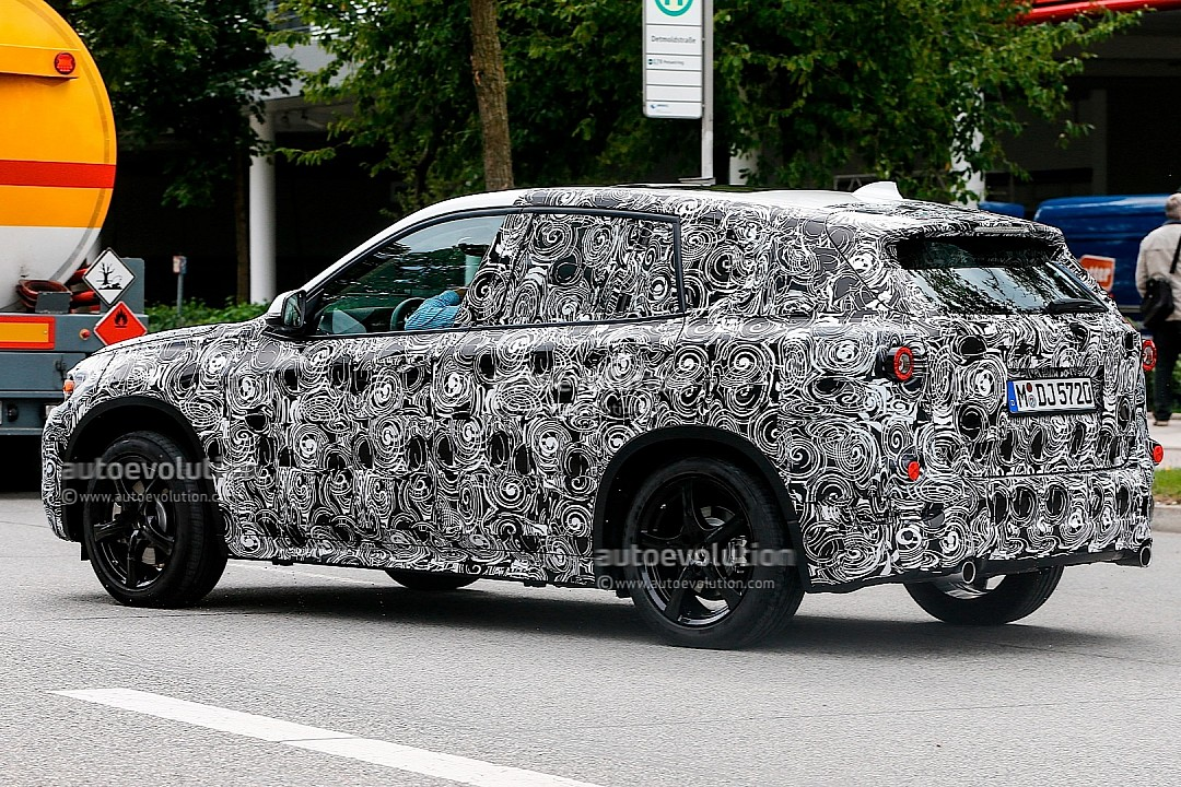 first-spyshots-of-all-new-bmw-fast-720p-5