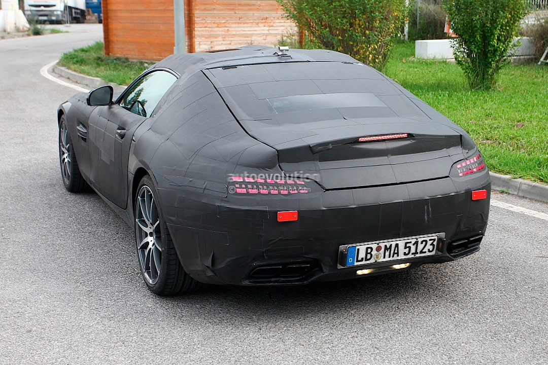 2014 - [Mercedes-AMG] GT [C190] - Page 2 Mercedes-benz-slc-gt-c190-caught-while-being-tested-photo-gallery-720p-5