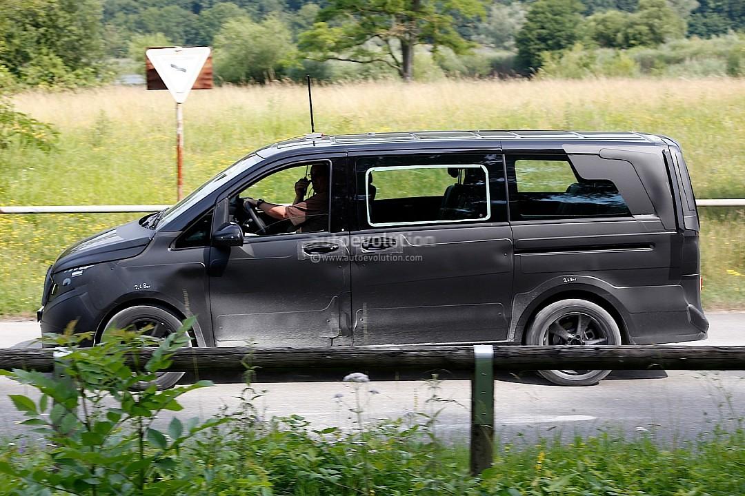 2014 - [Mercedes] Classe V/Vito - Page 2 Spyshots-2014-mercedes-viano-720p-3