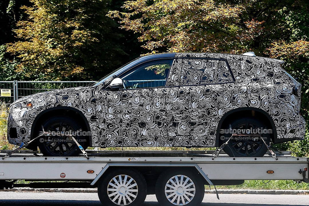 spyshots-bmw-f48-x1-spied-on-a-trailer-720p-3