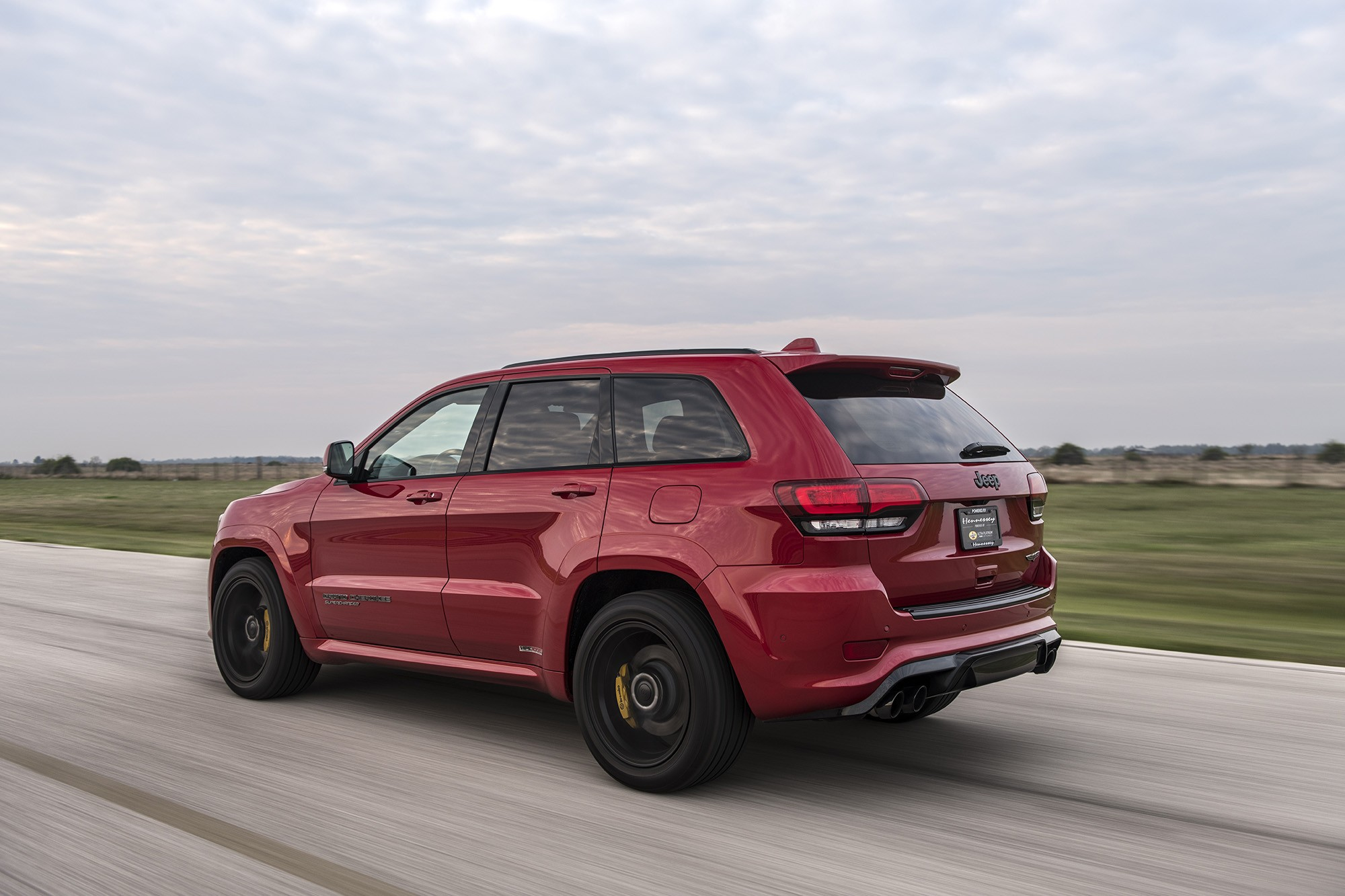 850 hp hennessey jeep grand cherokee trackhawk delivers beastly dyno soundcheck autoevolution. Black Bedroom Furniture Sets. Home Design Ideas