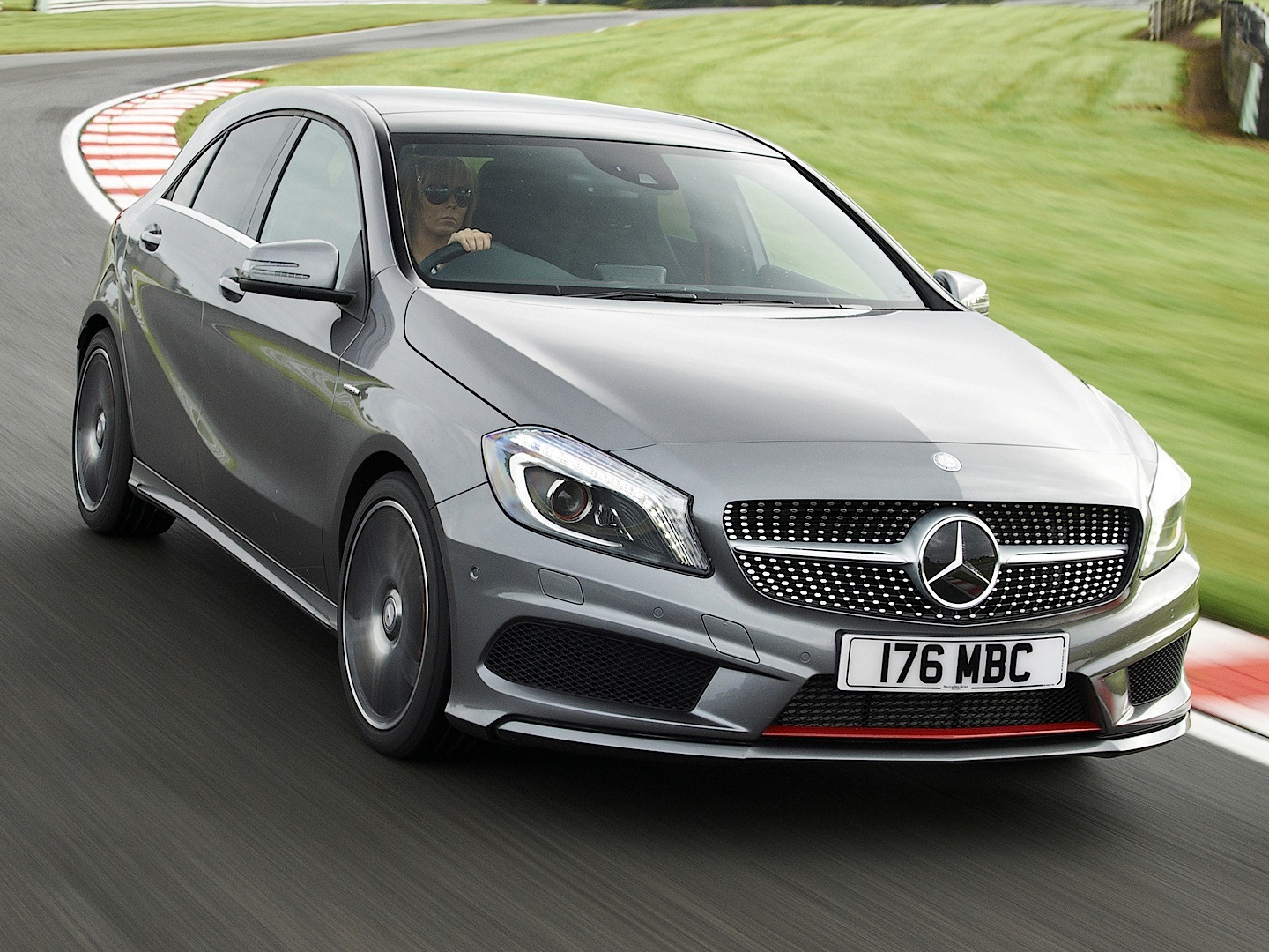 A 250 4matic Reviewed By Auto Express Autoevolution