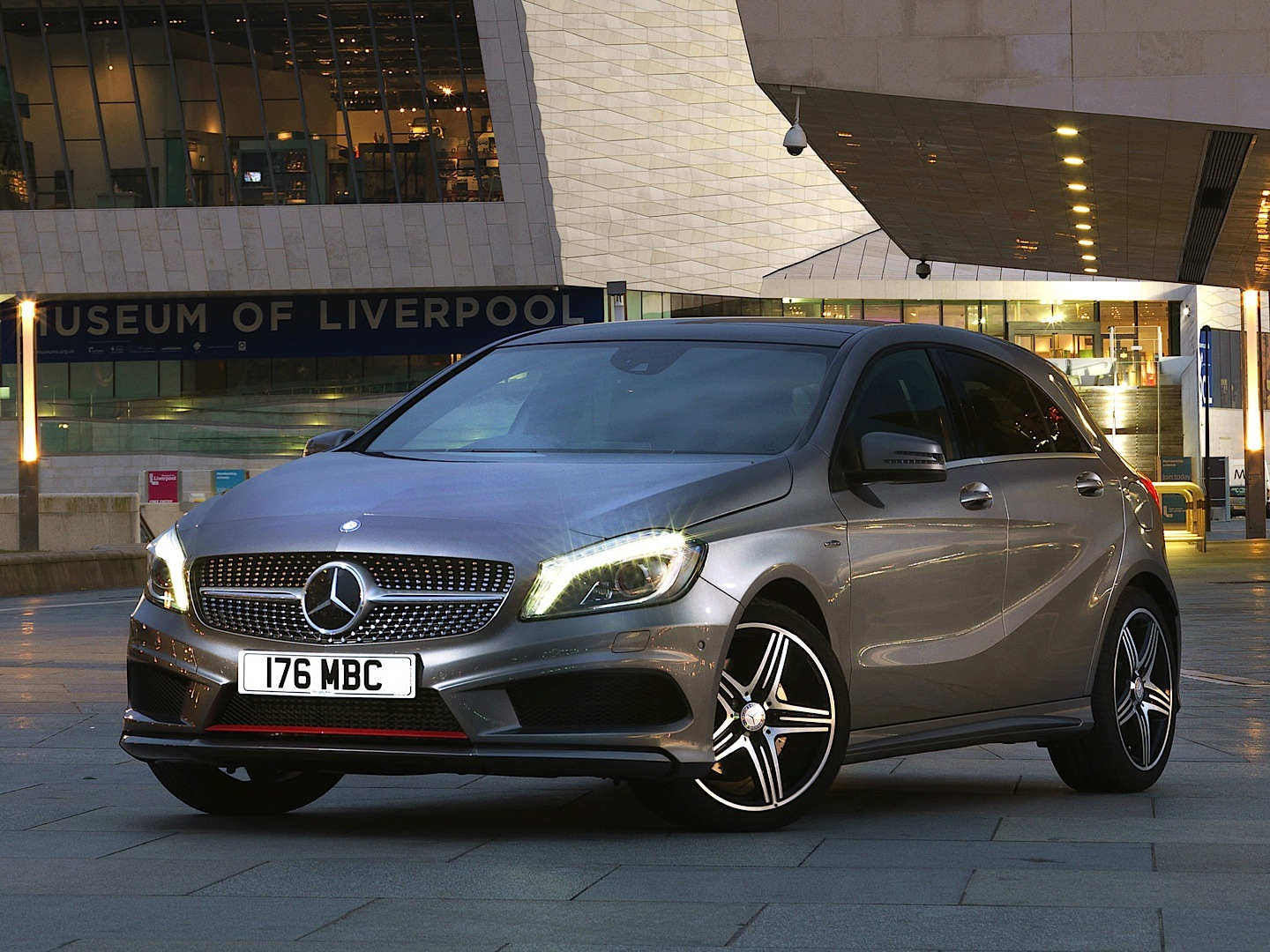 A 250 4Matic Reviewed by Auto Express - autoevolution