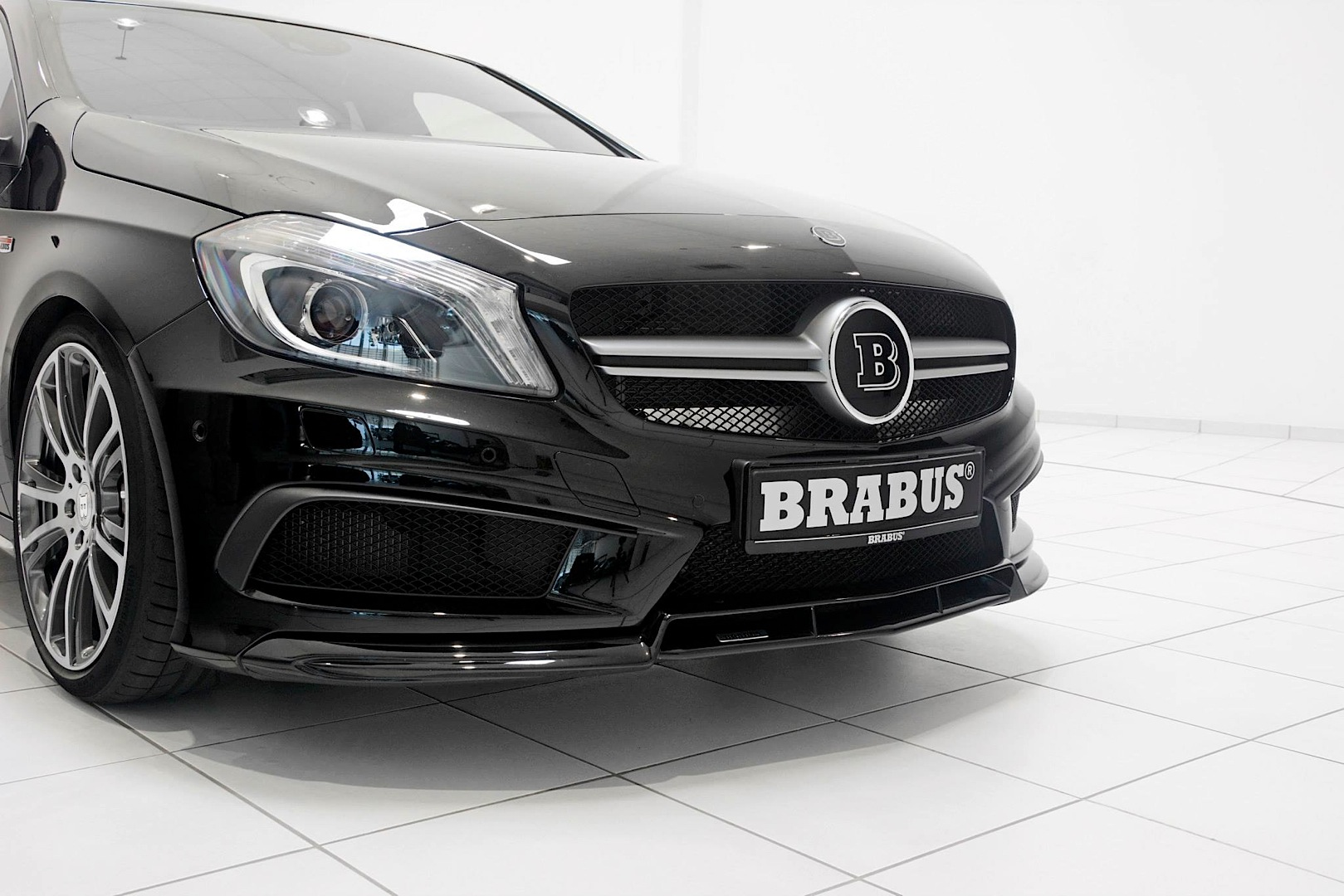 a 45 amg gets sinister look from brabus autoevolution. Black Bedroom Furniture Sets. Home Design Ideas
