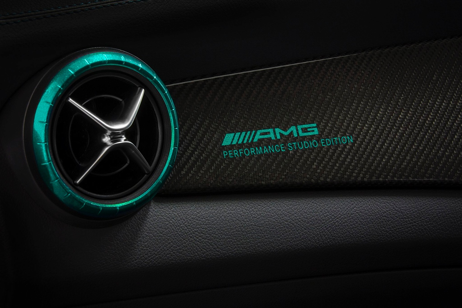 a 45 amg petronas green edition launched in japan autoevolution. Black Bedroom Furniture Sets. Home Design Ideas