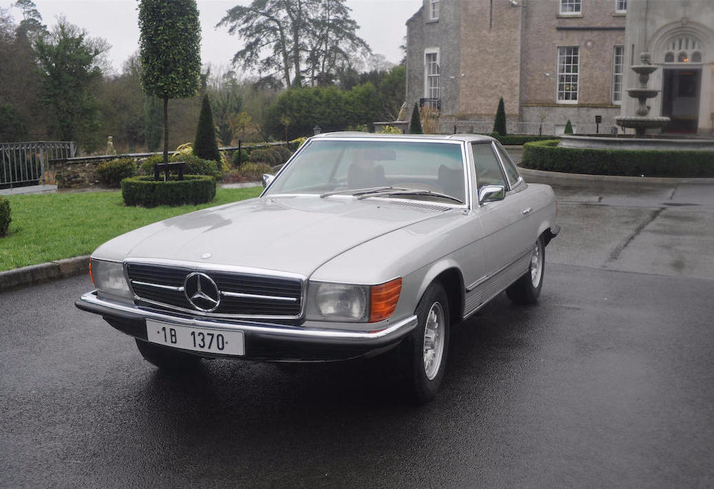a dictator owned 1973 mercedes benz sl sold at auction for 50 000 euros autoevolution. Black Bedroom Furniture Sets. Home Design Ideas