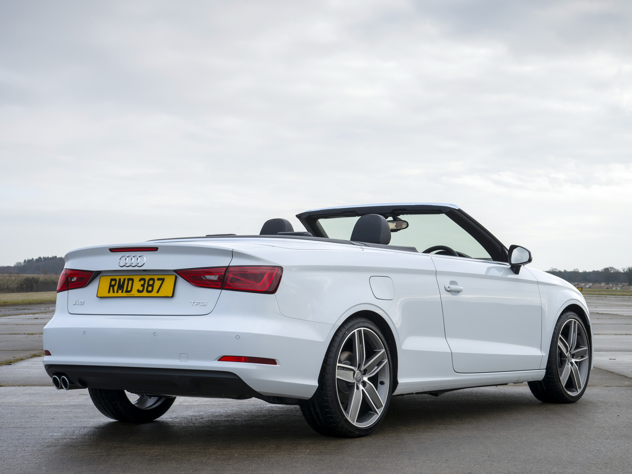 a look at the new audi a3 cabrio with a 1 4 tfsi engine. Black Bedroom Furniture Sets. Home Design Ideas