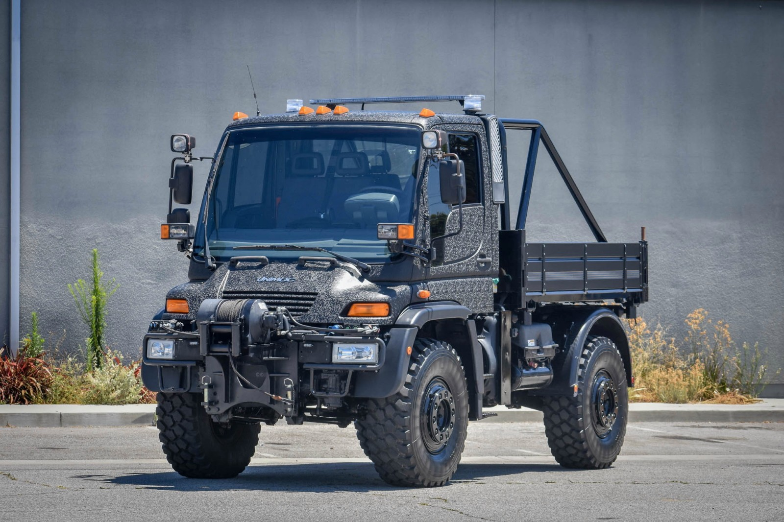 A Rare, Virtually New 2003 Mercedes-Benz Unimog U500 Is Looking for a New Owner - autoevolution