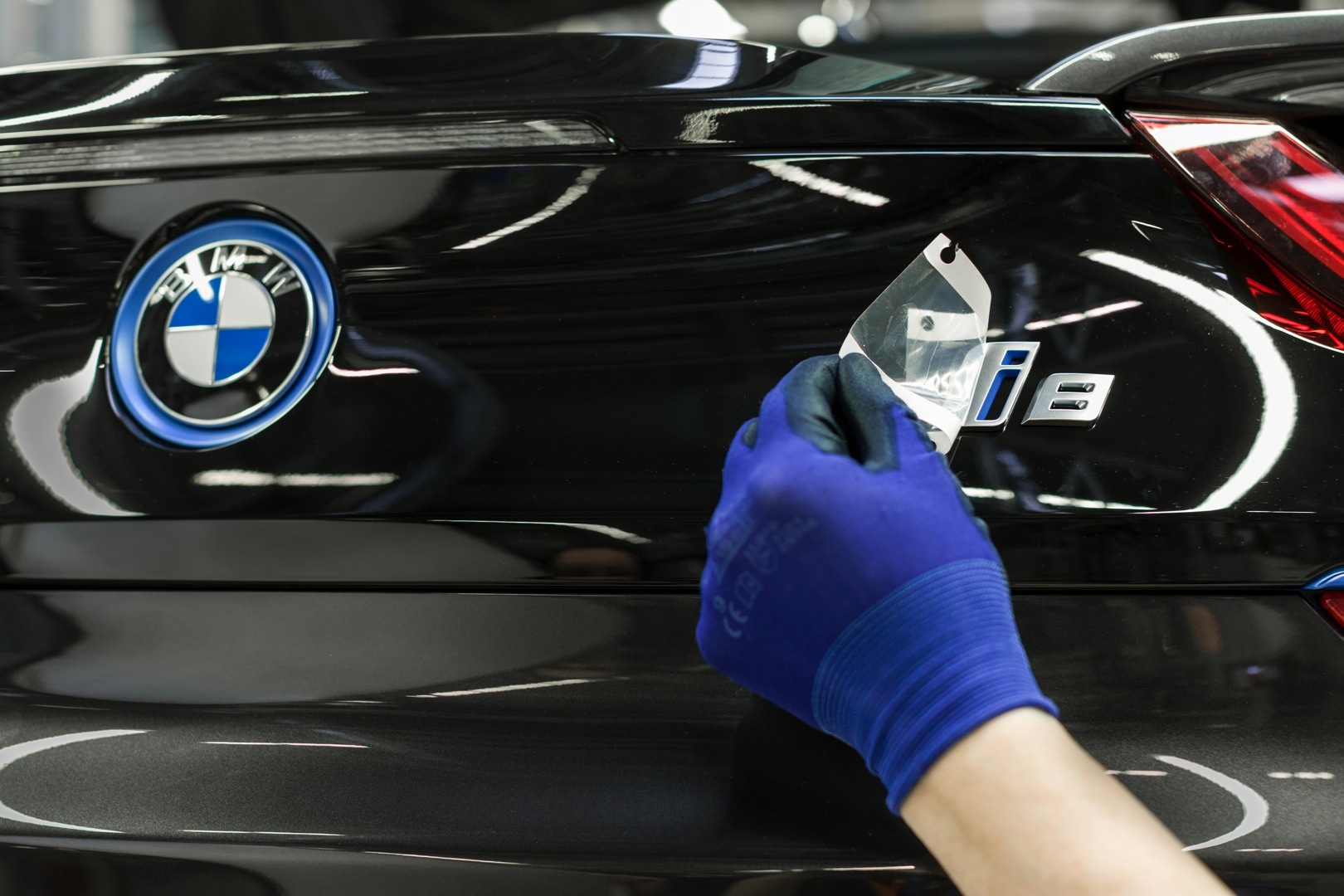 A Short Guide On How The Bmw I8 Is Assembled Autoevolution