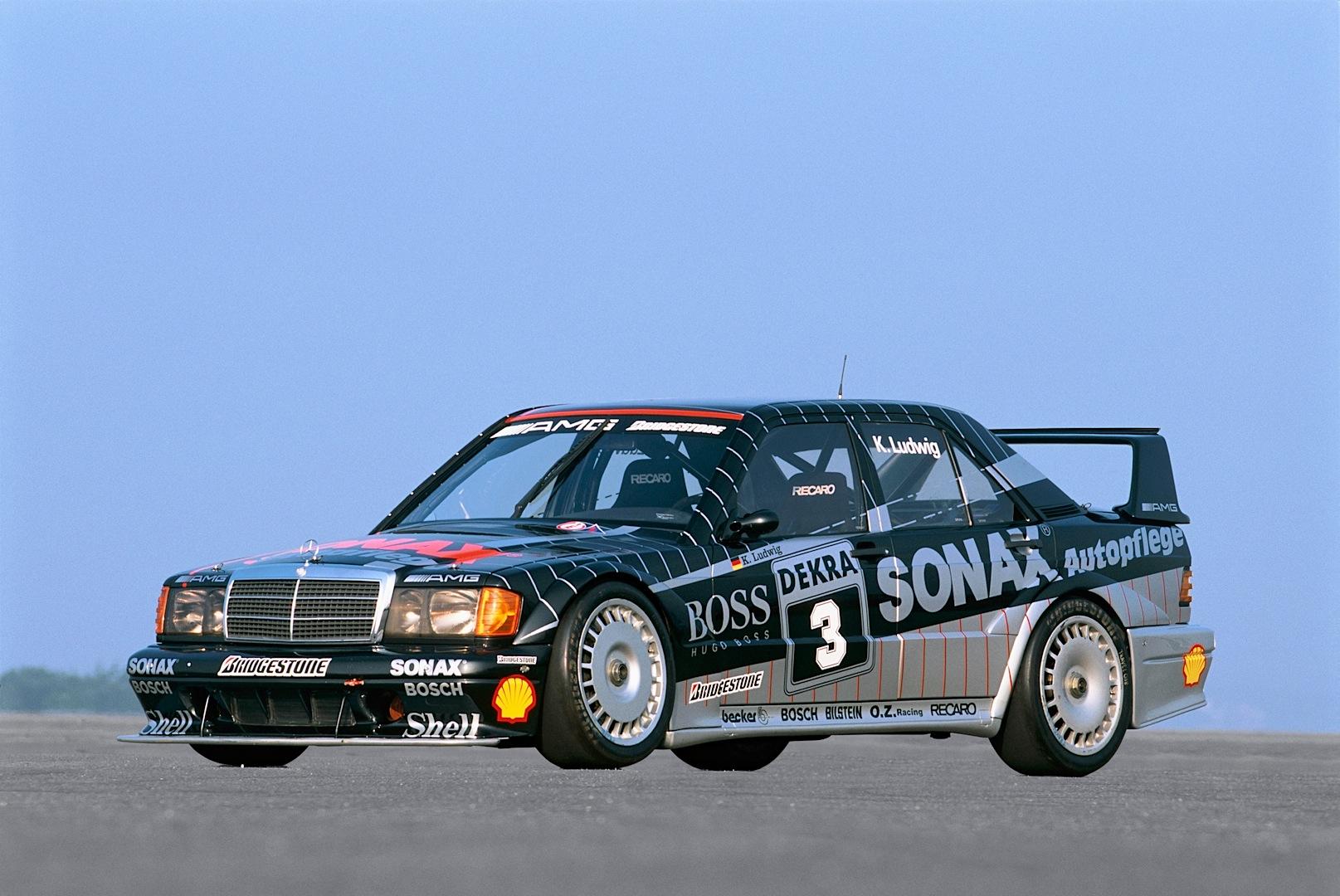 A short history of the mercedes benz c class in dtm for Mercedes benz car history