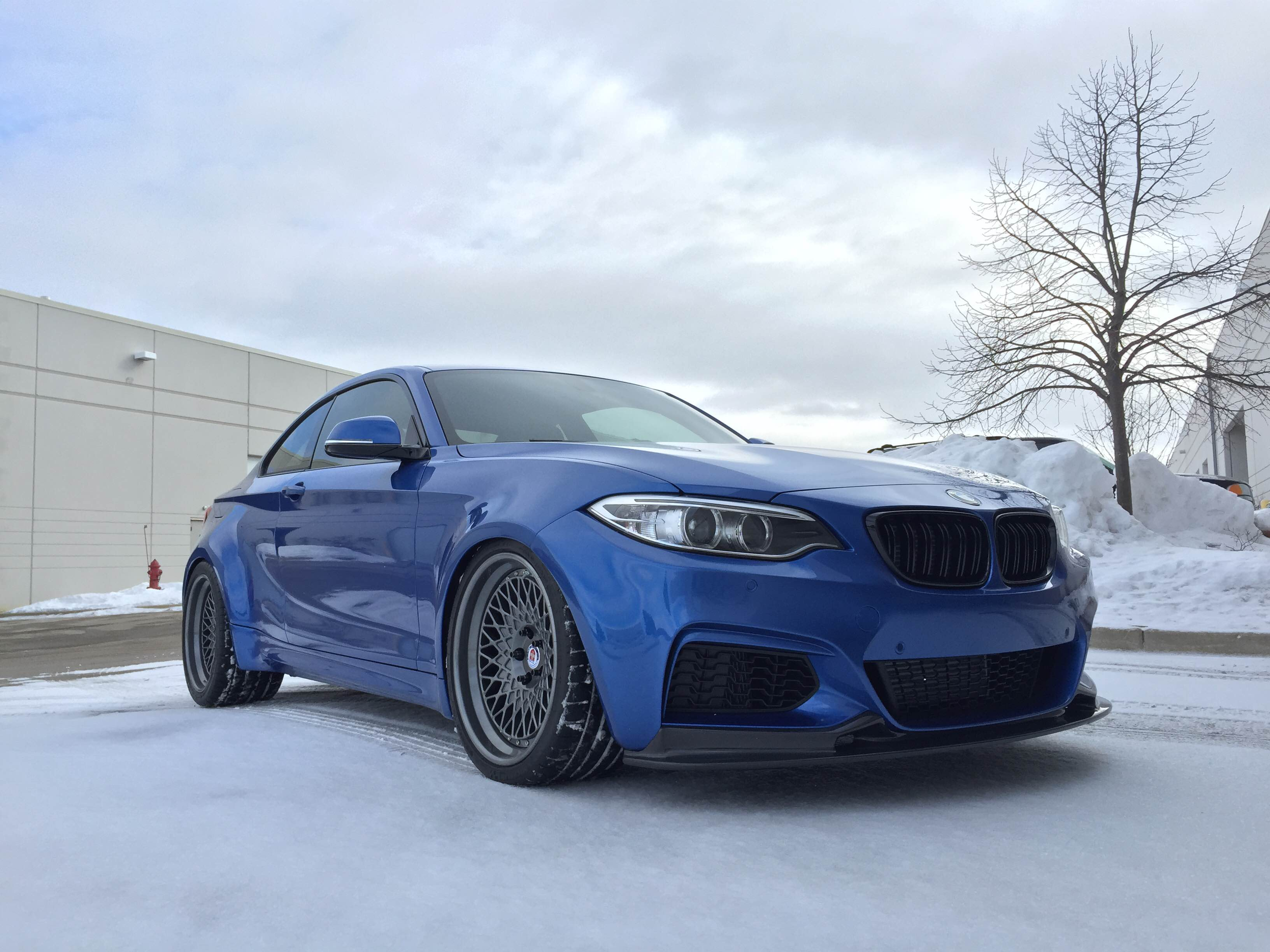 a truly special bmw m235i project blue ice autoevolution. Black Bedroom Furniture Sets. Home Design Ideas