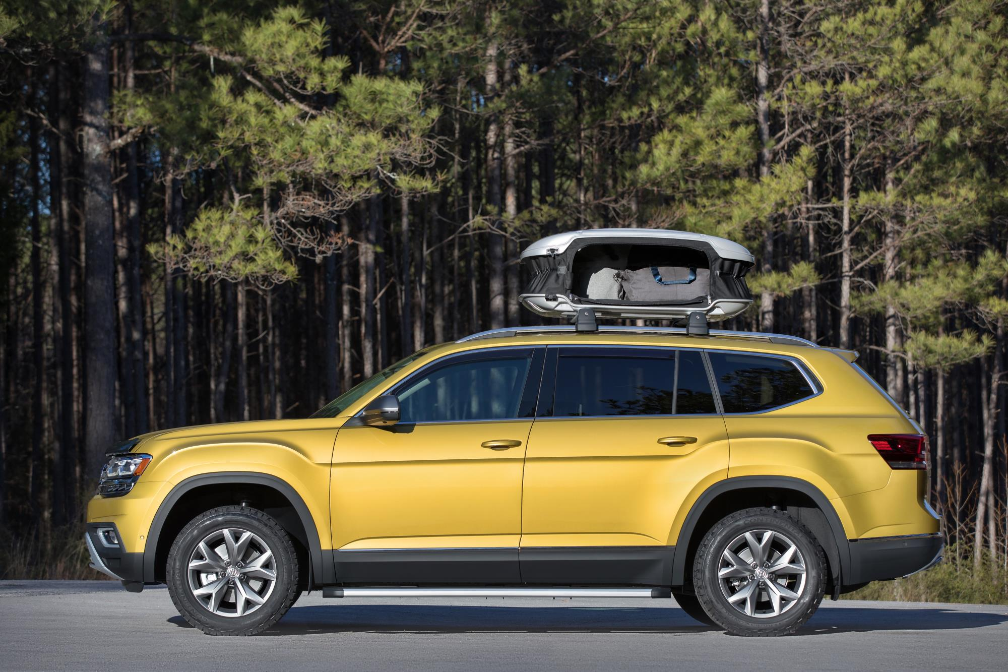 A Volkswagen Atlas With A Roof Box Is An Adventure Vehicle Apparently & A Volkswagen Atlas With A Roof Box Is An Adventure Vehicle ... Aboutintivar.Com