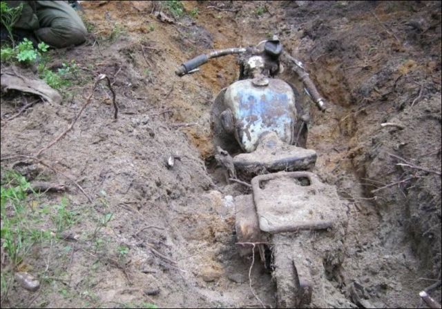 treasure buried war forest wwii found ii abandoned motorcycle lost autoevolution woods hidden motorcycles relics russia ww2 weapons bikes cars