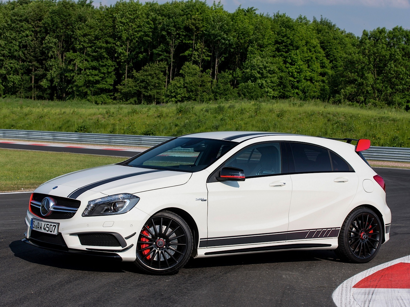 A45 Amg Edition 1 Driven On Track Autoevolution