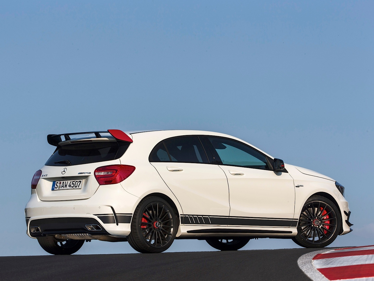 a45 amg edition 1 driven on track autoevolution. Black Bedroom Furniture Sets. Home Design Ideas
