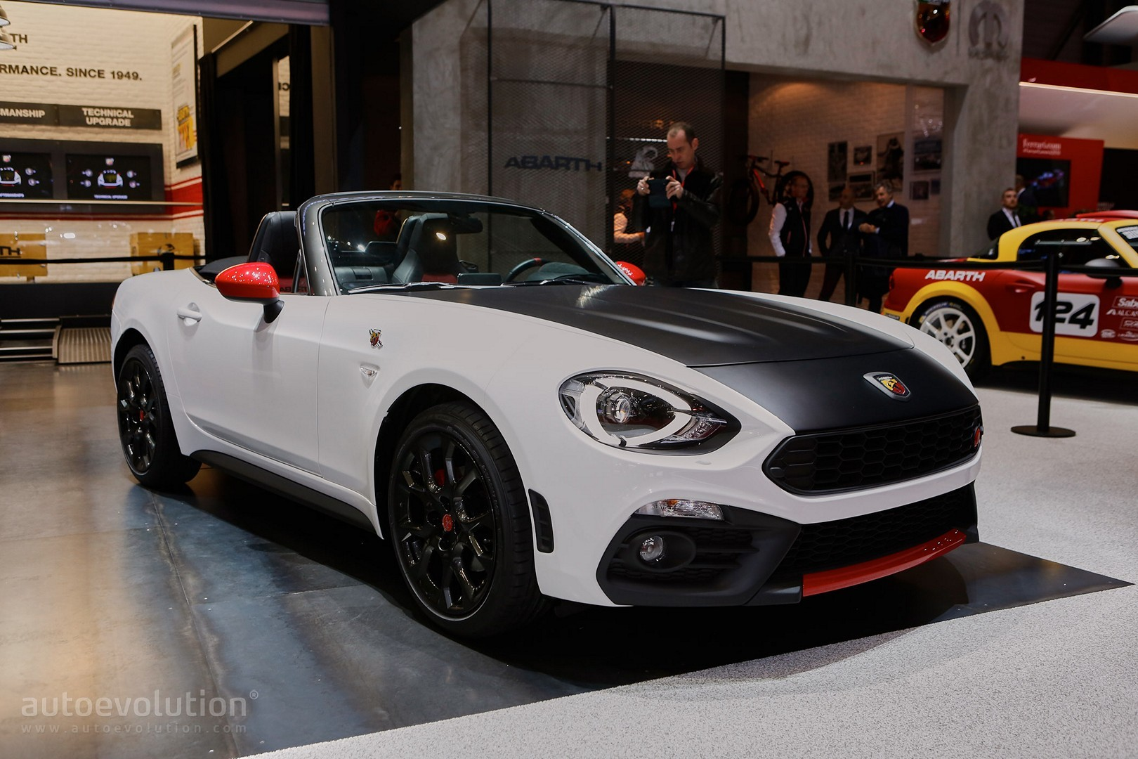 abarth 124 spider debuts in geneva with 170 hp scorpion. Black Bedroom Furniture Sets. Home Design Ideas