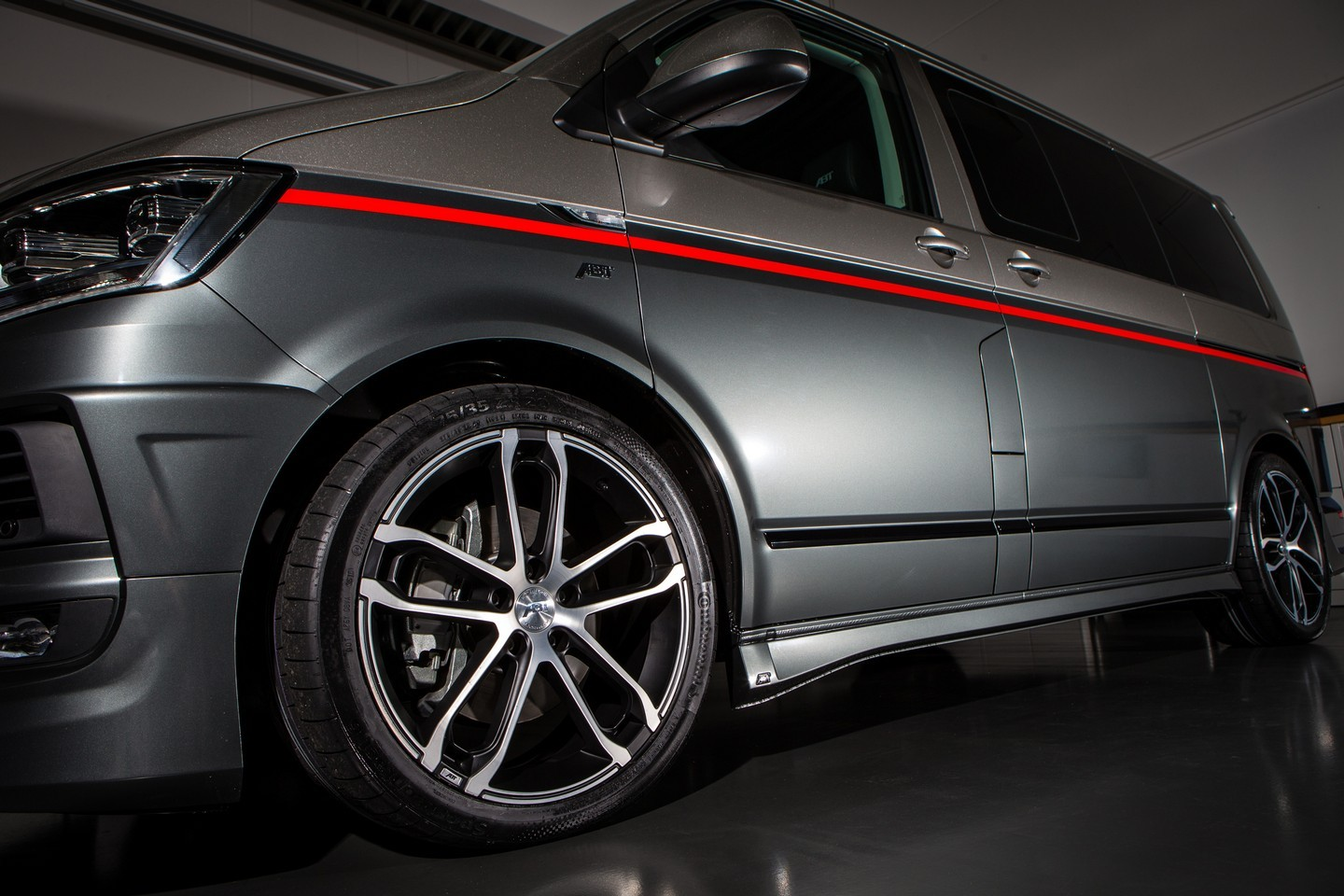 ABT Makes Coolest Volkswagen T6 Tuning Project for Geneva - autoevolution
