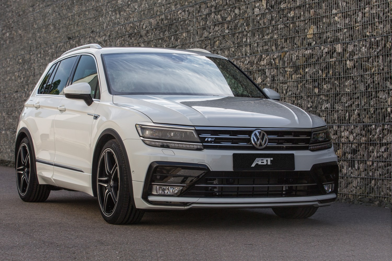 tiguan abt vw tuning volkswagen lowered tdi suspension mean power reveals latest machine autoevolution sportsline diesel engine upgrade