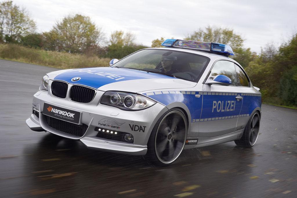 ac schnitzer bmw 123d polizei revealed autoevolution. Black Bedroom Furniture Sets. Home Design Ideas
