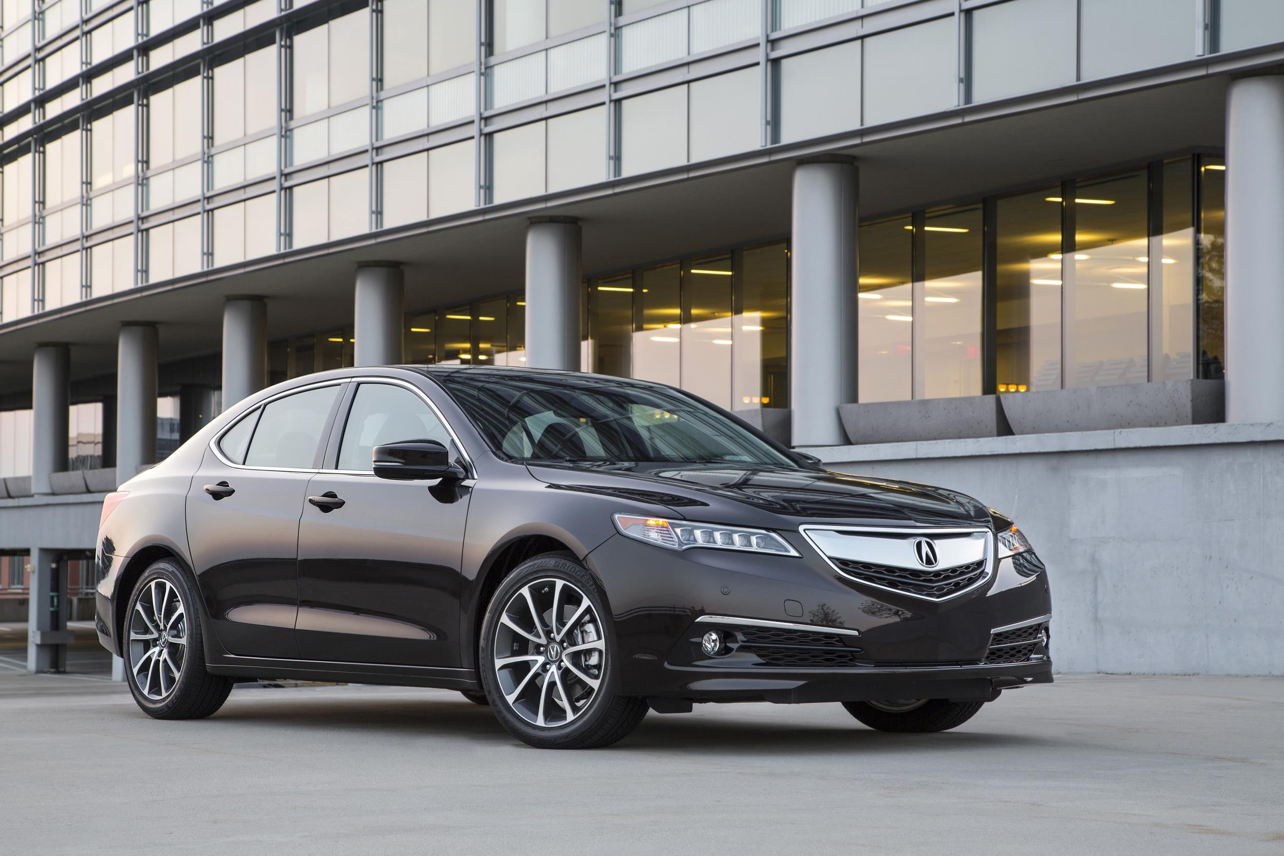 Sans The 920 Destination Charge 2017 Acura Tlx Starts At 31 900 That S About 200 Or Thereabout More Expensive Than Yesteryear Model
