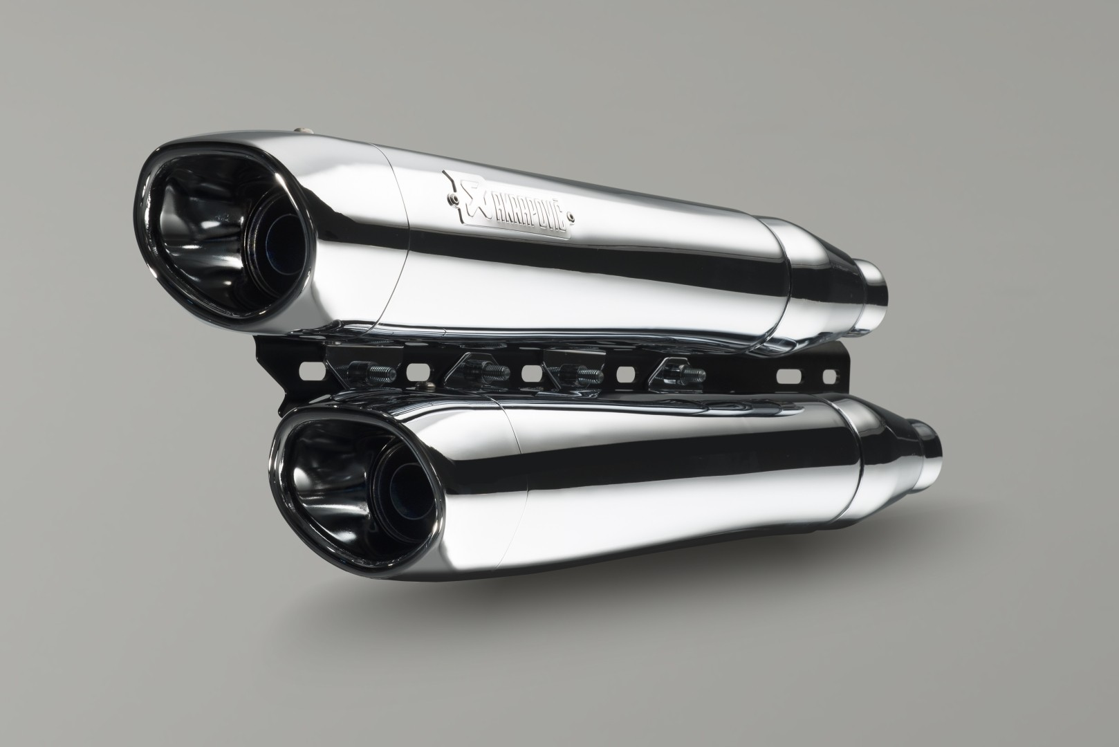 Akrapovic Exhausts Now Ready for the Entire Victory Cruiser