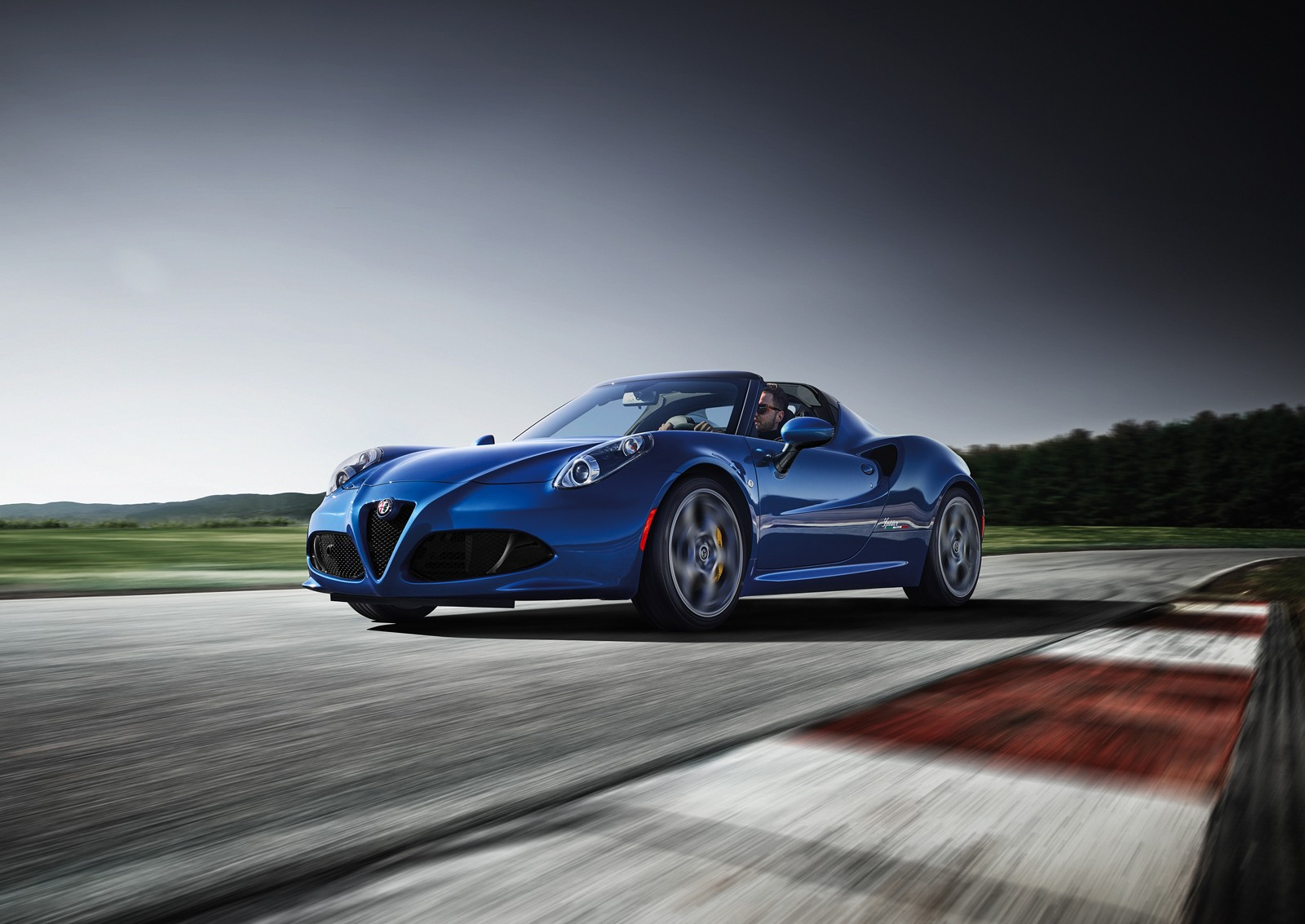 2018 alfa romeo 4c receives competizione and italia special editions autoevolution. Black Bedroom Furniture Sets. Home Design Ideas
