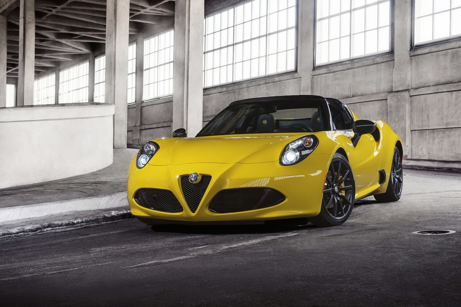 alfa romeo 4c spider makes online debut in giallo yellow autoevolution. Black Bedroom Furniture Sets. Home Design Ideas