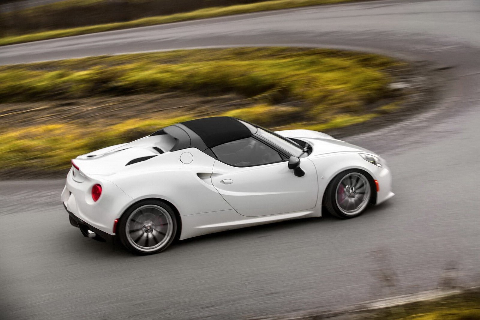 Alfa romeo 4c spider price south africa