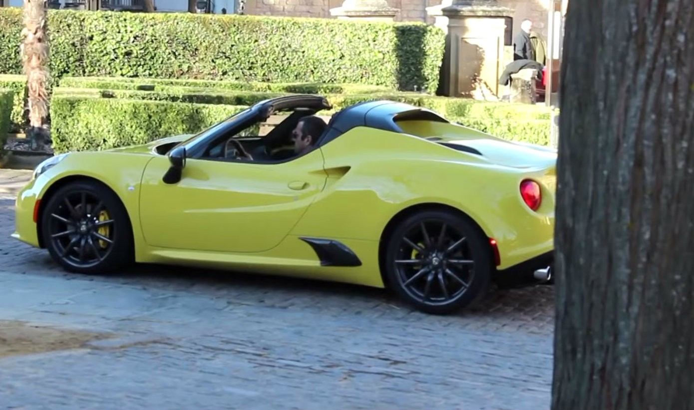 alfa romeo 4c spider to debut at 2015 detroit auto show video autoevolution. Black Bedroom Furniture Sets. Home Design Ideas