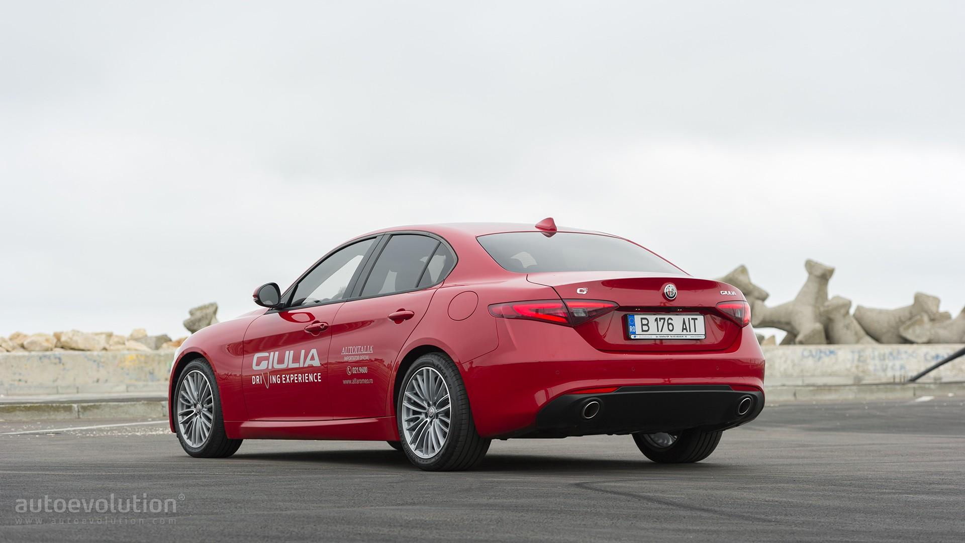 Alfa Romeo Drops New 8C Supercar, GTV Sports Car From