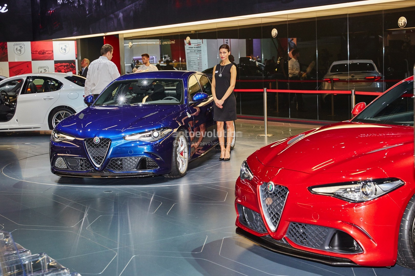 alfa romeo giulia qv now fastest sedan on 39 ring lands in frankfurt for eur79 000 autoevolution. Black Bedroom Furniture Sets. Home Design Ideas