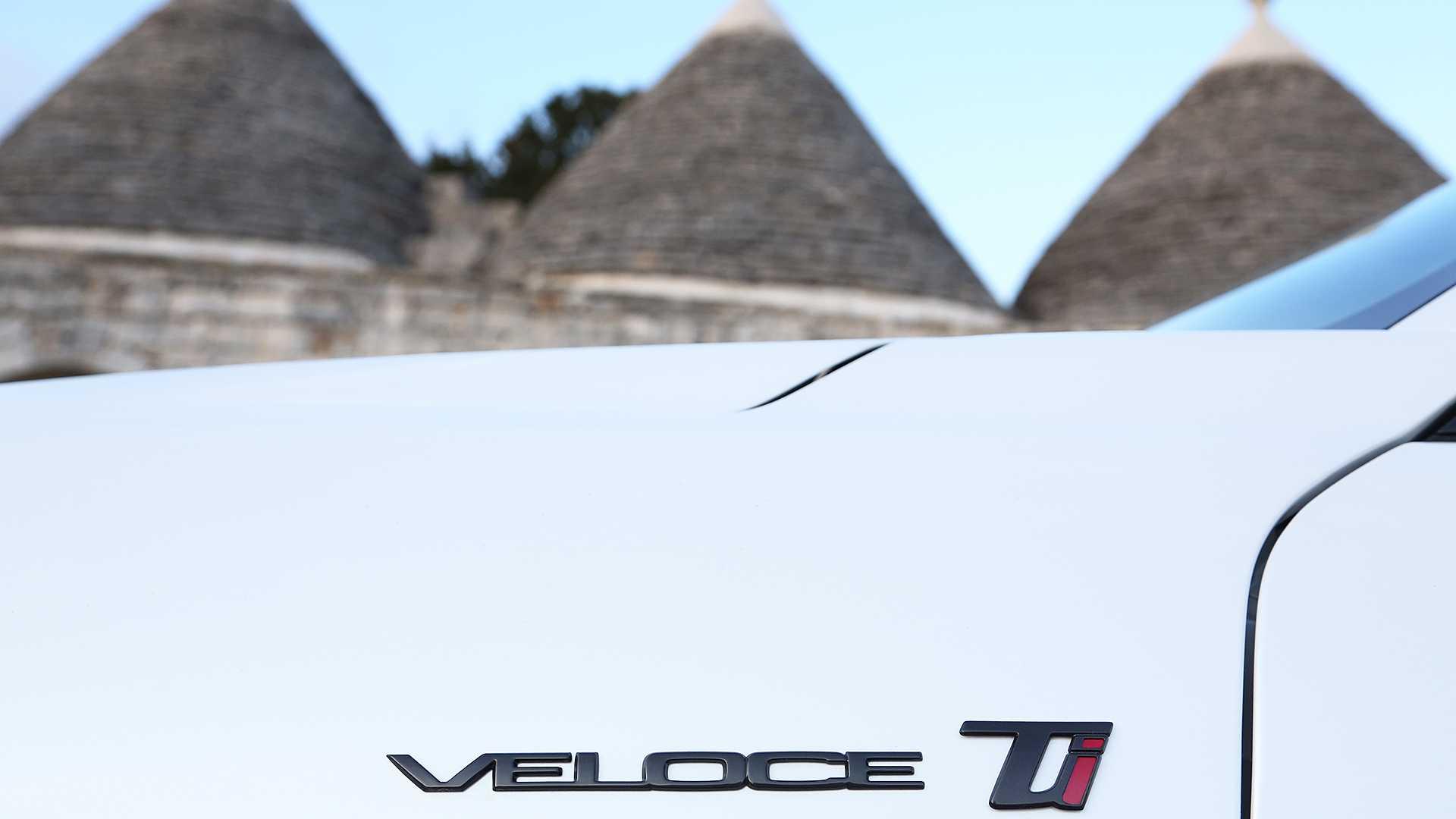 2020 Alfa Romeo Giulia, Stelvio Still Don't Feature Full