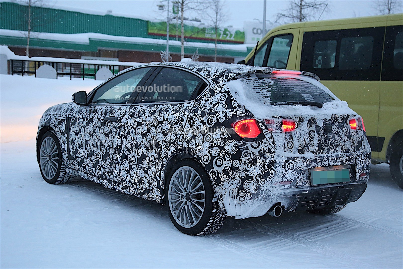 2017 alfa romeo giulietta facelift spied winter testing. Black Bedroom Furniture Sets. Home Design Ideas