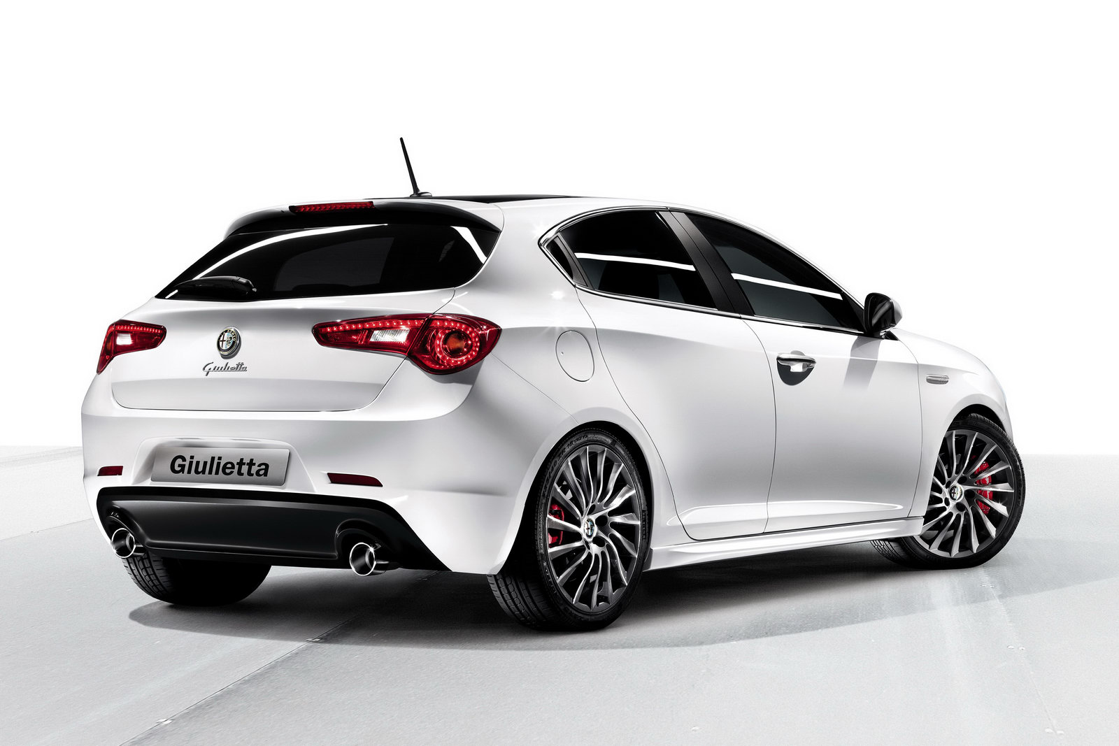 alfa romeo giulietta new photos autoevolution. Black Bedroom Furniture Sets. Home Design Ideas