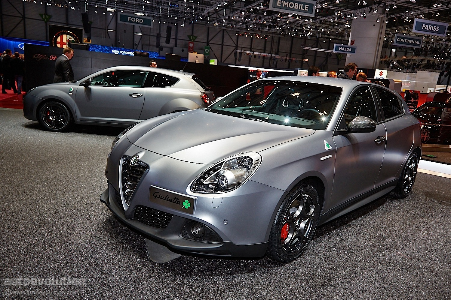 alfa romeo giulietta quadrifoglio verde debuts at geneva 2014 live photos autoevolution. Black Bedroom Furniture Sets. Home Design Ideas