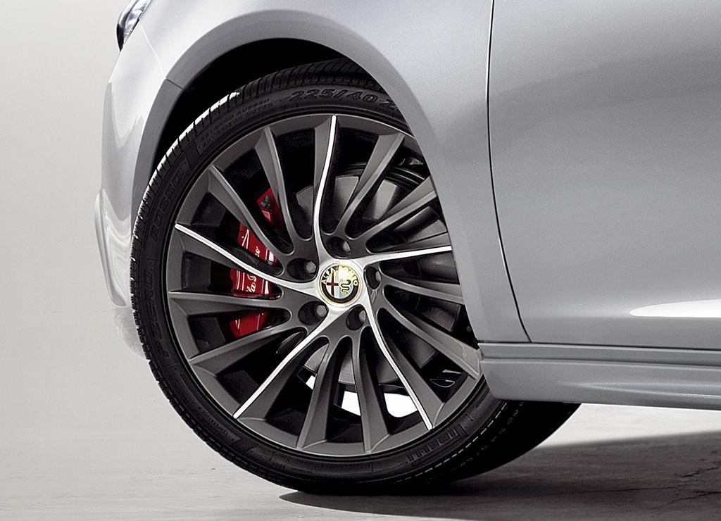 Alfa Romeo Giulietta Sportiva Unveiled Autoevolution