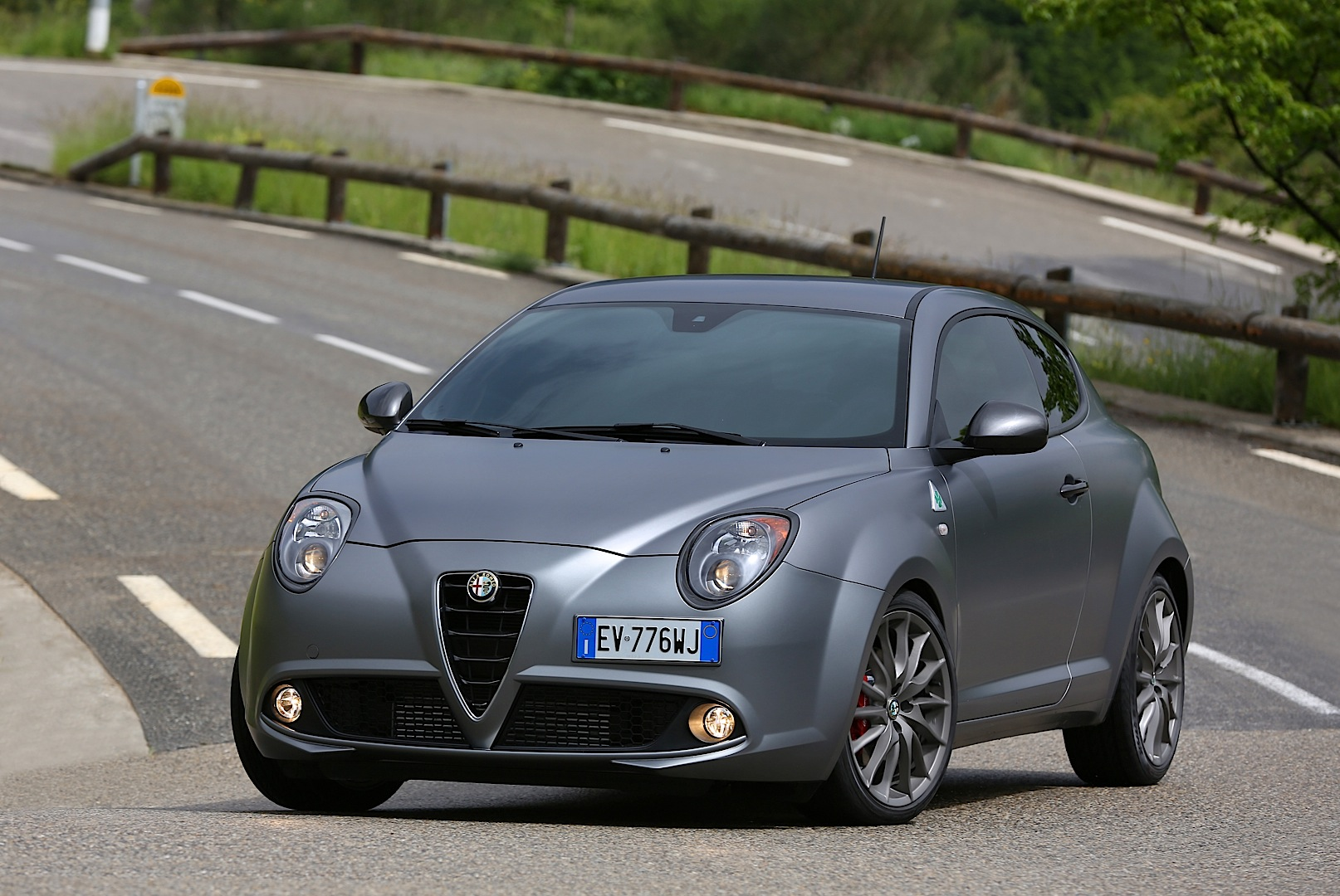 alfa romeo to rebadge mito and giulietta qv as veloce use qv for hardcore models autoevolution. Black Bedroom Furniture Sets. Home Design Ideas