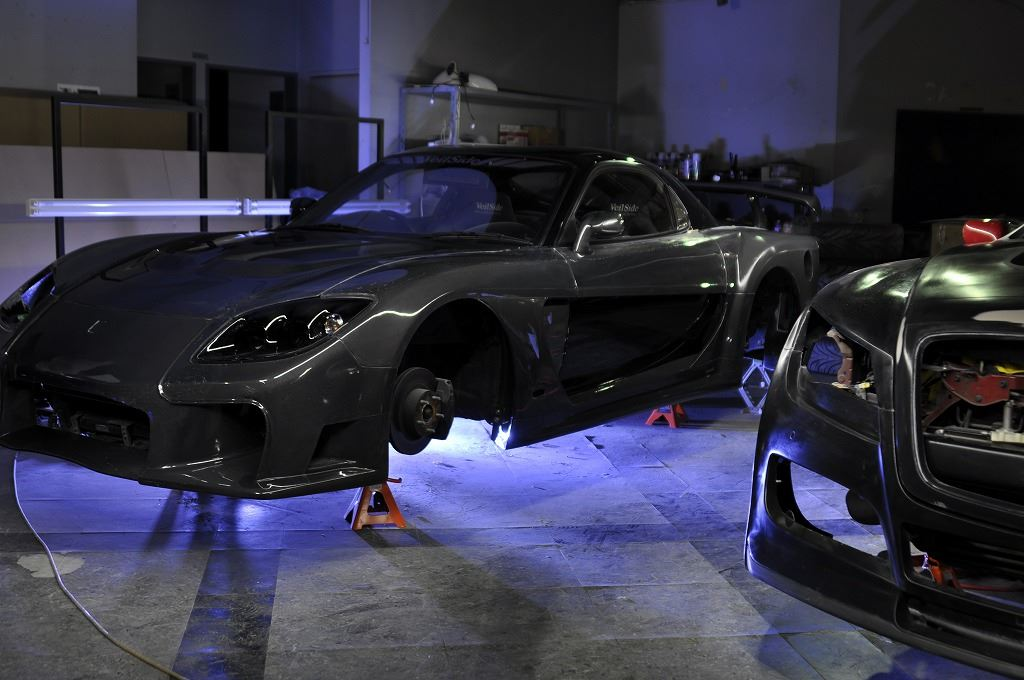 All Carbon Mazda Rx 7 By Veilside Is Cooler Than Tokyo